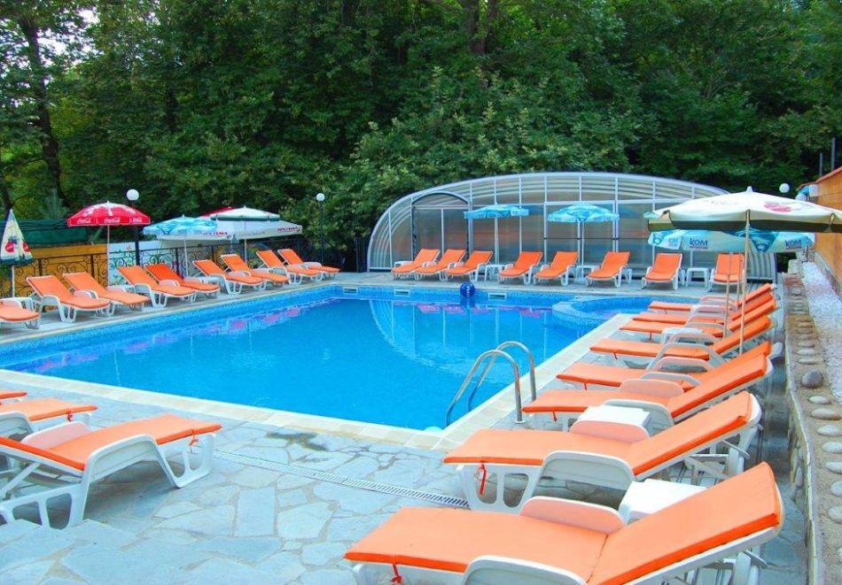 Нощувка на човек със закуска + минерален басейн и релакс зона от хотел Прим, Сандански, снимка 14