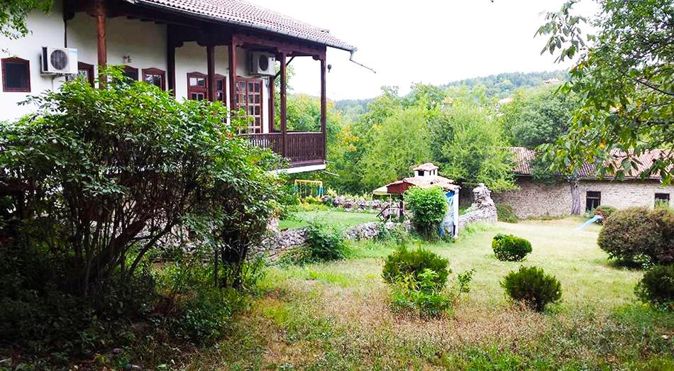 Нощувка на човек със закуска и вечеря* в Стаи за гости Болярска къща, Арбанаси, снимка 10