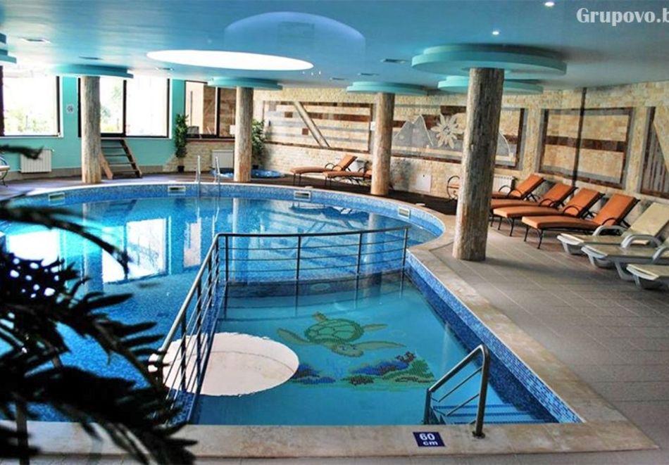 Нощувка на човек на база All inclusive light + басейн и релакс зона в комплекс Зара**** Банско, снимка 3