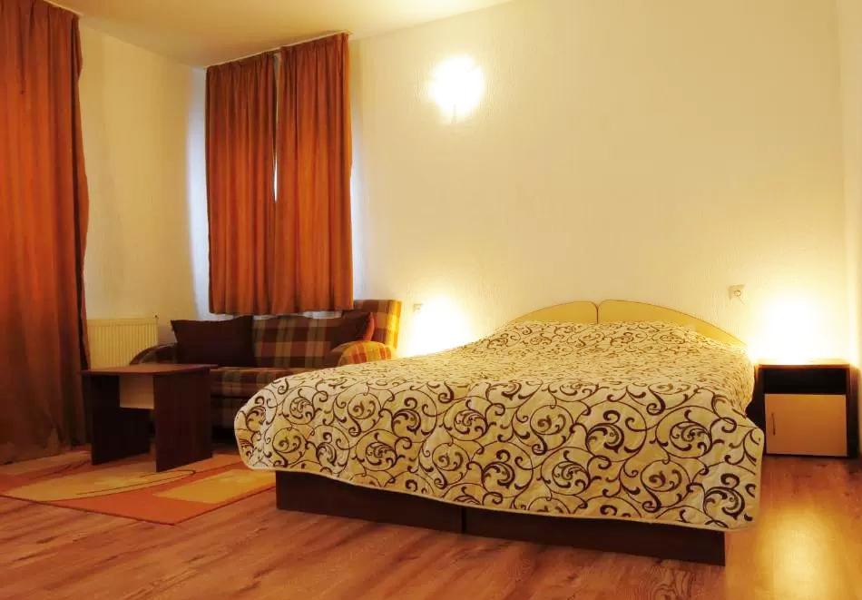 2 или 3 нощувки на човек със закуски* + транспорт до лифта в хотел Мишел***, Банско, снимка 8