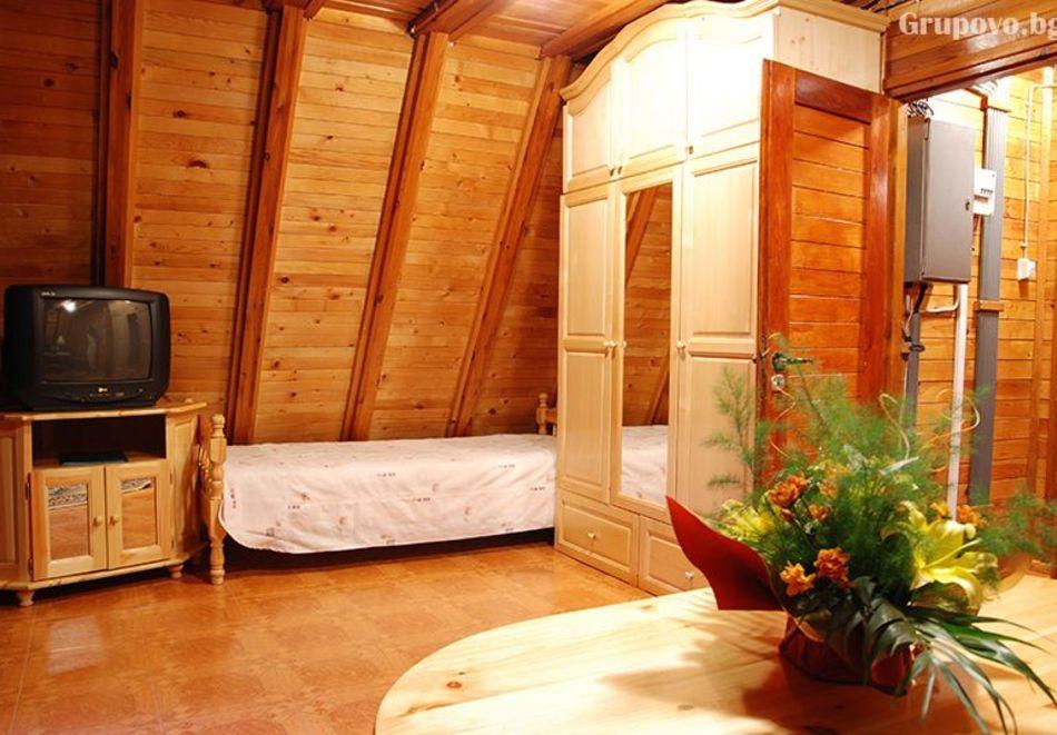 2=3 или 4=5 нощувки в напълно оборудвана къща за до 5 човека във Вилни селища Ягода и Малина, Боровец, снимка 19