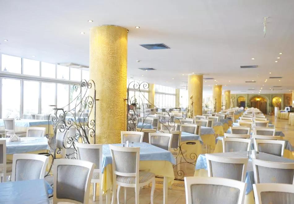 Ранни записвания за лято 2021 на първа линия в Елените. Нощувка на човек на база All Inclusive + басейн и аквапарк в хотел Роял Парк**** Дете до 12г. - БЕЗПЛАТНО, снимка 9