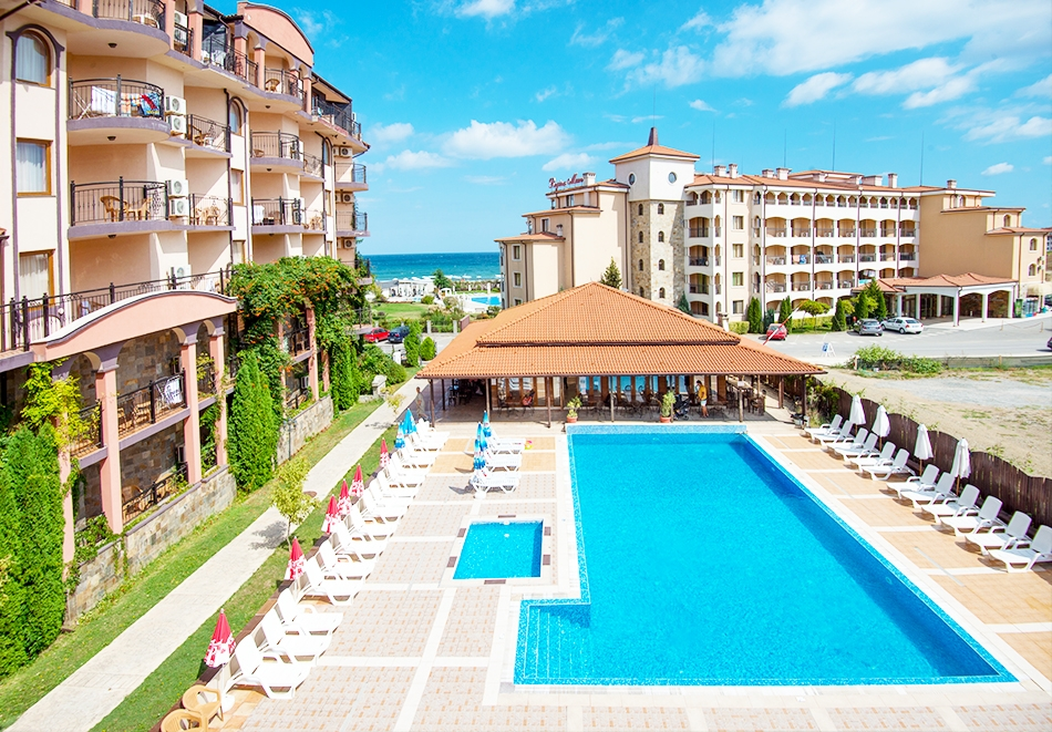 Ранни записвания за ТОП СЕЗОН на лято 2021 на първа линия в Царево! Нощувка на човек на база All inclusivе + анимация + басейн, шезлонг и чадър на плажа от хотел Саут Бийч****, снимка 2