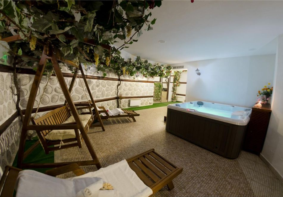 2+ нощувки за ДВАМА със закуски + релакс зона в хотел Планински Романс, Банско, снимка 5