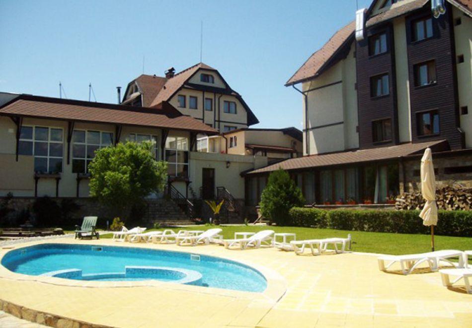 Нощувка на човек със закуска + басейн с минерална вода + релакс зона в хотел Олимп***, Банско. При закупуване на ваучер за 3 нощувки,  получавате безплатна 4-та нощувка, снимка 7