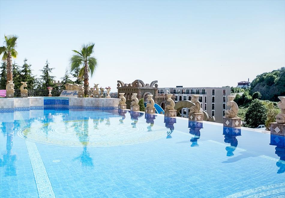 Гергьовден в Елените! 2 или 3=4 нощувки на човек на база Ultra Аll Inclusive + вътрешен и външен басейн от хотел Роял Касъл, снимка 7