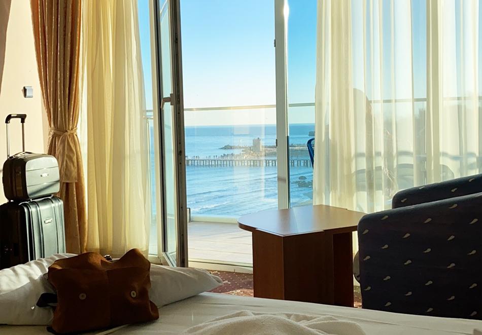 8-ми март в Св. Св. Константин и Елена! 2 нощувки на човек със закуски и вечери, едната празнична с DJ + СПА пакет в хотел Сириус Бийч****, снимка 17