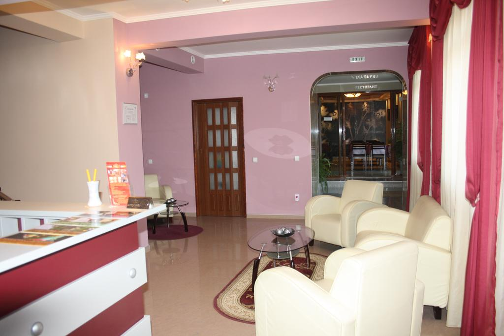 Нощувка на човек със закуска в хотел Марая, Арбанаси, снимка 3