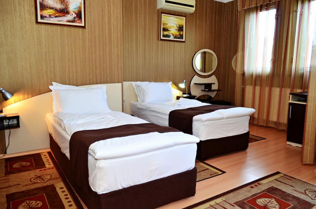 Нощувка на човек със закуска в хотел Марая, Арбанаси, снимка 6