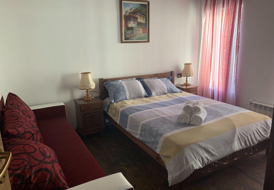 Нощувка за до шестима в къща за гости Малините, Чепеларе!, снимка 4