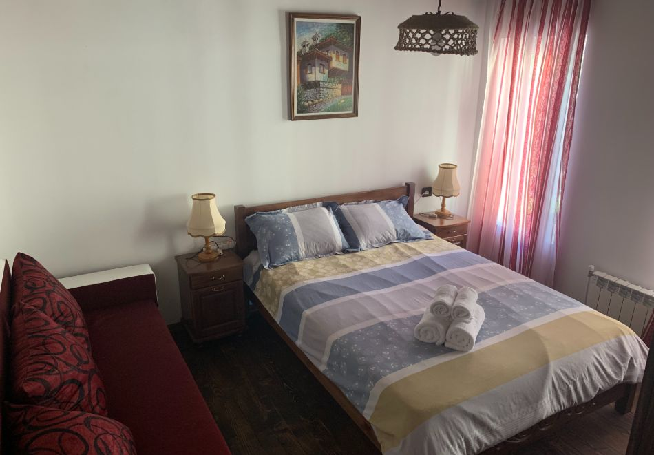 Нощувка за до шестима в къща за гости Малините, Чепеларе!, снимка 3