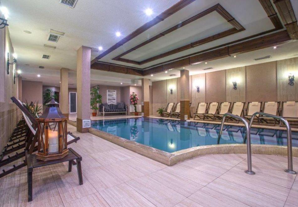 Майски празници в Банско. 2 или 3 нощувки на човек със закуски + басейн, сауна и парна баня от хотел Мария Антоанета, снимка 9