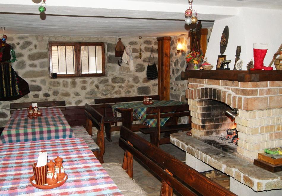 2+ нощувки на човек със закуски и вечери в къща за гости Гърбеви, Добринище, снимка 6