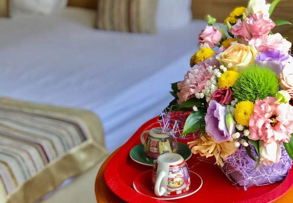 Почивка в центъра на Велико Търново! Нощувка на човек със закуска от хотел Алегро***, снимка 6