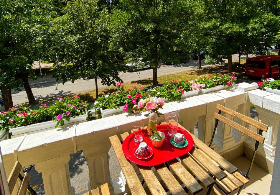 Почивка в центъра на Велико Търново! Нощувка на човек със закуска от хотел Алегро***, снимка 16