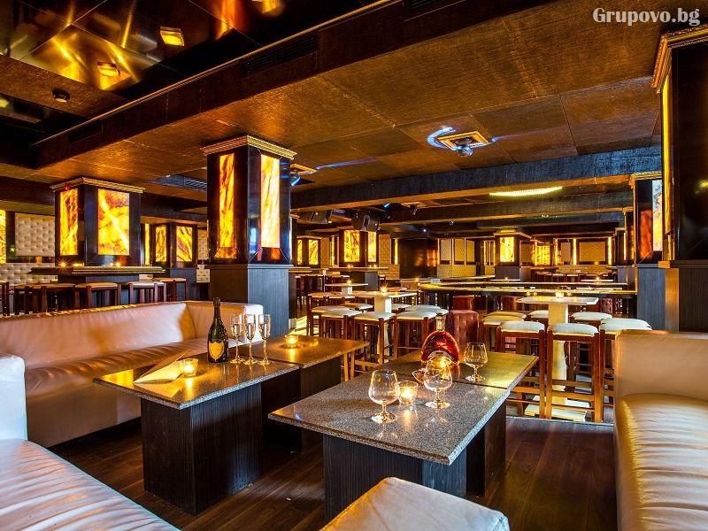 Уикенд в хотел Каменград****, Панагюрище! Нощувка на човек със закуска и вечеря + закрит плувен минерален басейн и СПА, снимка 13