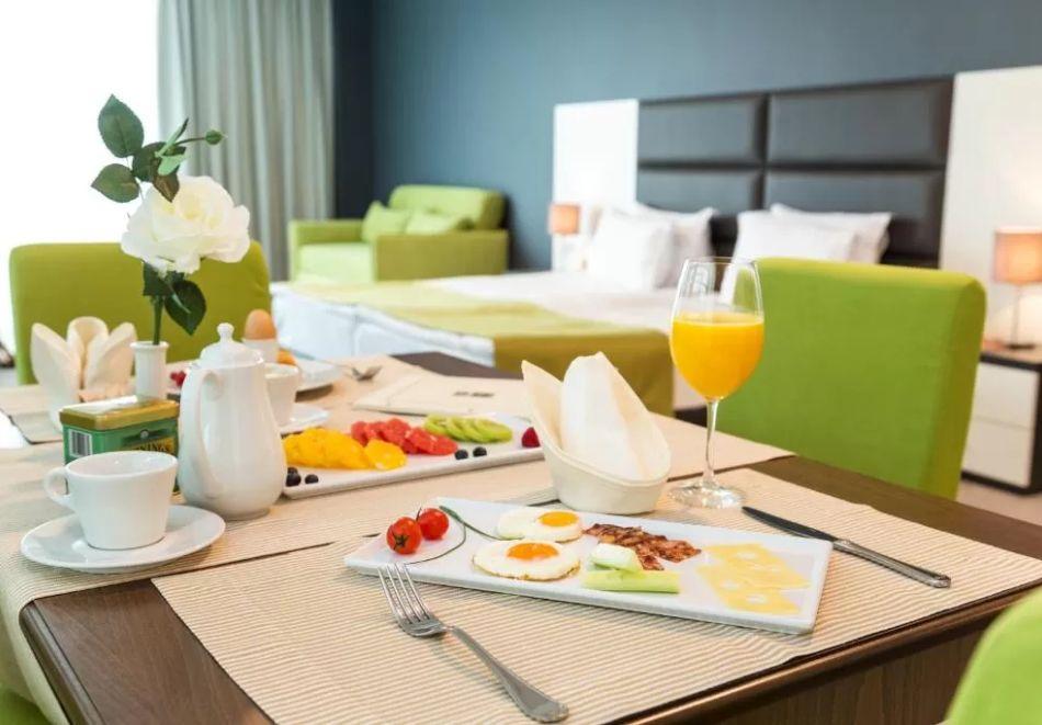 Нощувка със закуска за двама или четирима + термална зона в хотел Земята и Хората****, София! ДЕЦА ДО 11.99г. БЕЗПЛАТНО, снимка 18