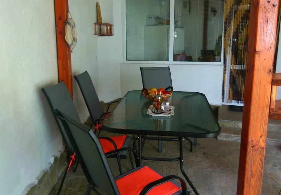 Наем на вила до 6 човека с барбекю и оборудвана кухня от вила Долината на Розите, Павел баня, снимка 4