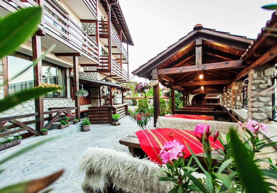 Нощувка на човек в хотел Думанов, Банско. Възможност за изхранване на място!, снимка 20