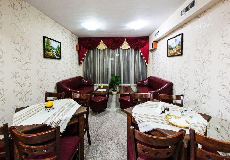 Нощувка на човек + релакс зона в хотел Думанов, Банско. Възможност за изхранване на място!, снимка 15