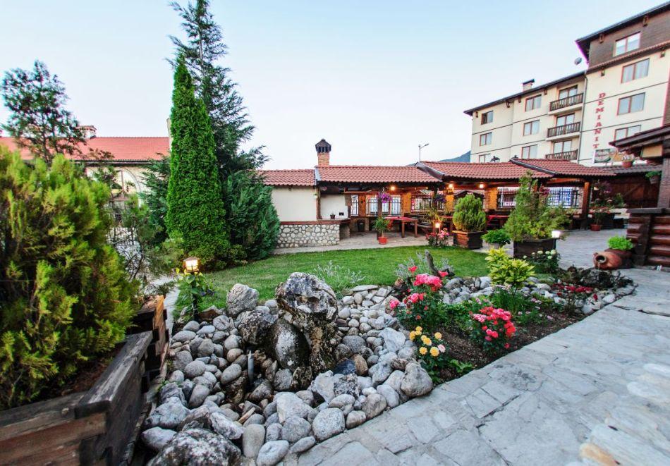 Нощувка на човек + релакс зона в хотел Думанов, Банско. Възможност за изхранване на място!, снимка 20