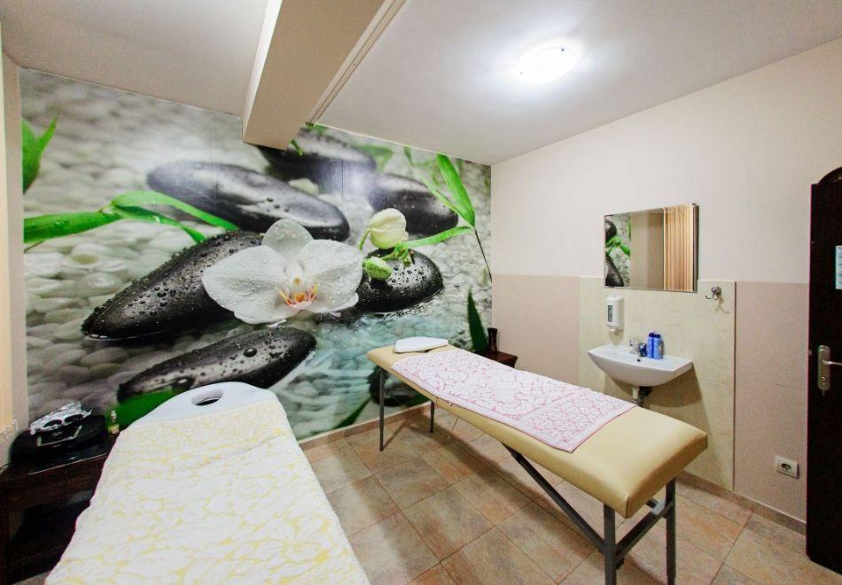 Нощувка на човек + релакс зона в хотел Думанов, Банско. Възможност за изхранване на място!, снимка 13