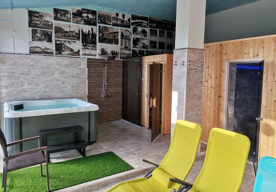 Нощувка на човек със закуска + сауна, джакузи и парна баня от Семеен хотел Александър, Павел баня, снимка 5