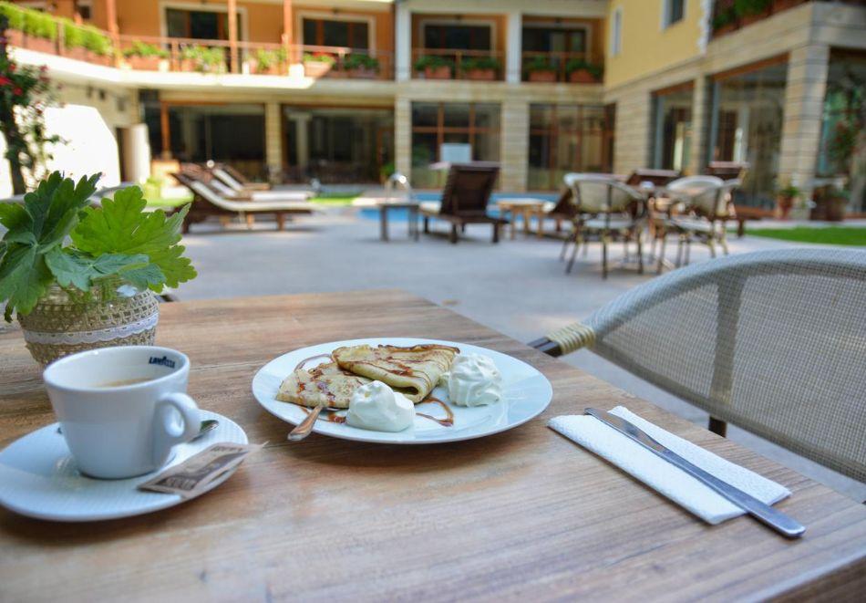 Нощувка на човек със закуска в хотел Света Неделя, с. Коларово, край Петрич, снимка 3