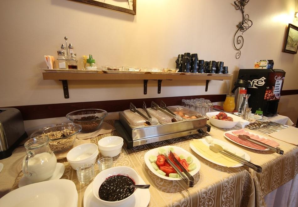 Две нощувки на човек със закуски и вечери* в Бизева Къща***, Банско, снимка 15