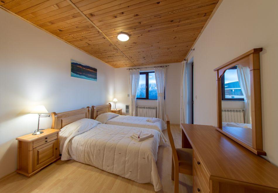 Нощувка в апартамент за четирима в Апартаменти за гости в Пампорово, снимка 7