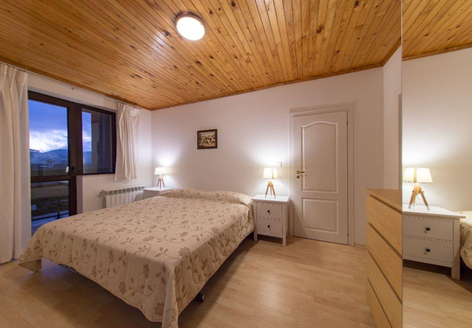 Нощувка в апартамент за четирима в Апартаменти за гости в Пампорово, снимка 2