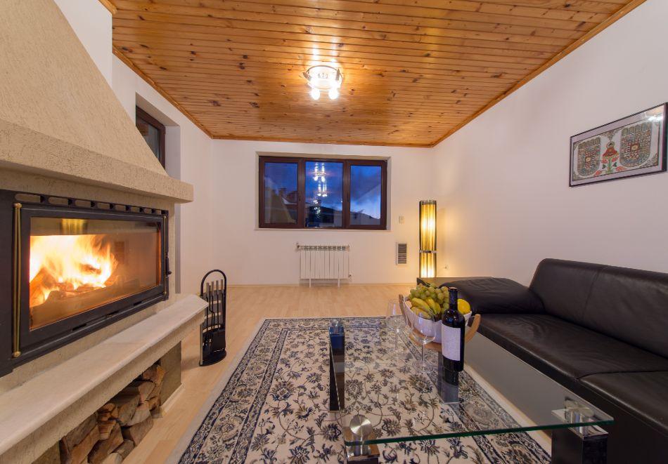 Нощувка в апартамент за четирима + релакс зона в Апартаменти за гости в Пампорово, снимка 29