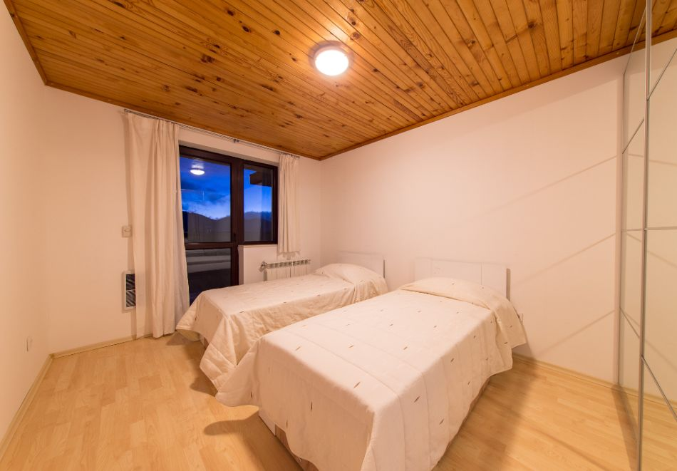 Нощувка в апартамент за четирима + релакс зона в Апартаменти за гости в Пампорово, снимка 18