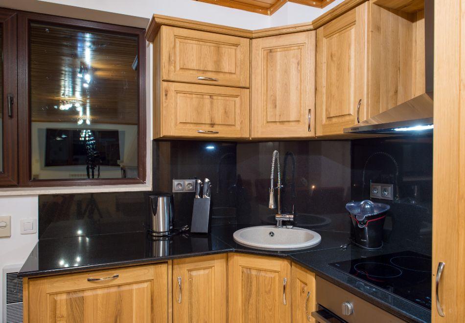 Нощувка в апартамент за четирима в Апартаменти за гости в Пампорово, снимка 12