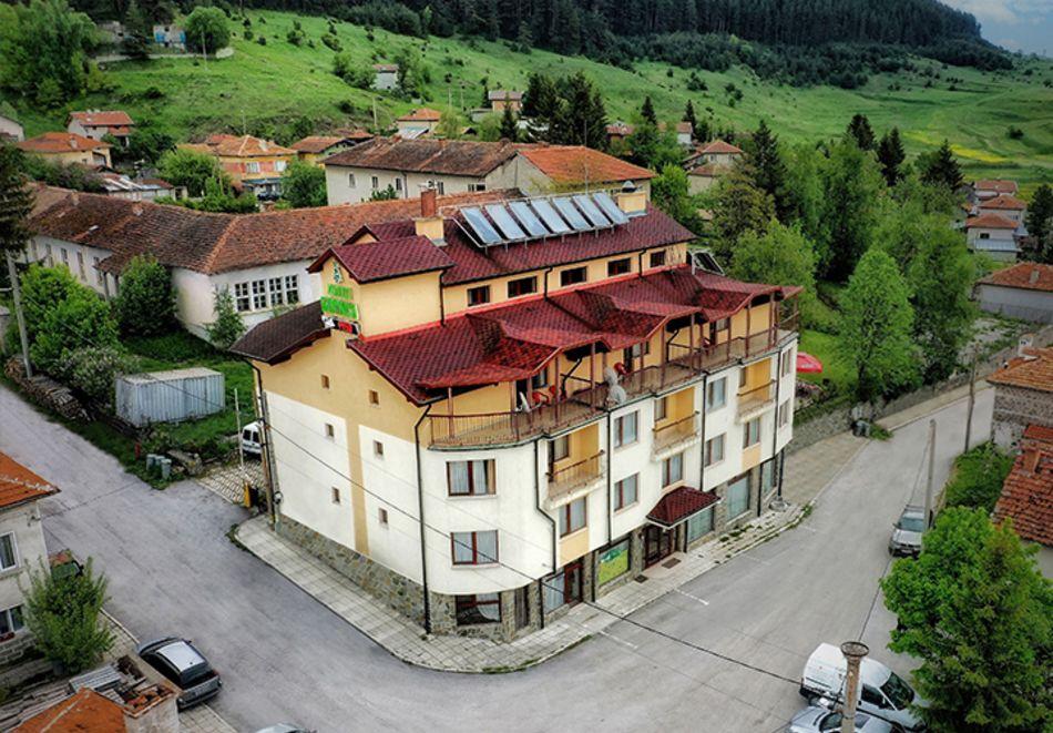 Уикенд в семеен хотел Борика, Равногор! 1 или 2 нощувки на човек със закуски + релакс зона по желание., снимка 2