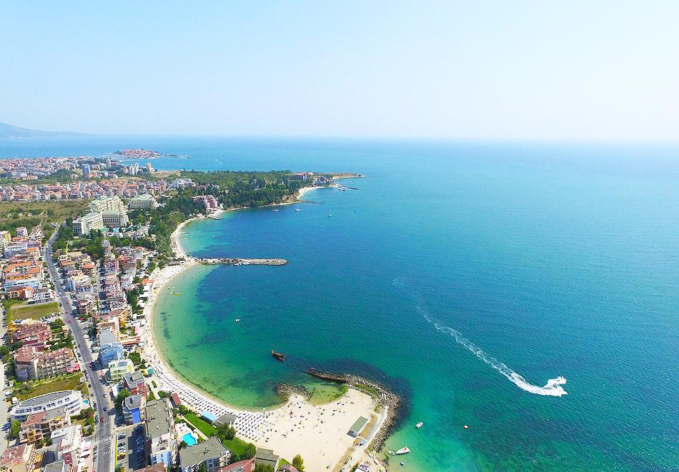 На 50м. от плажа между Равда и Несебър! Нощувка на човек + басейн в хотел Ривиера., снимка 6