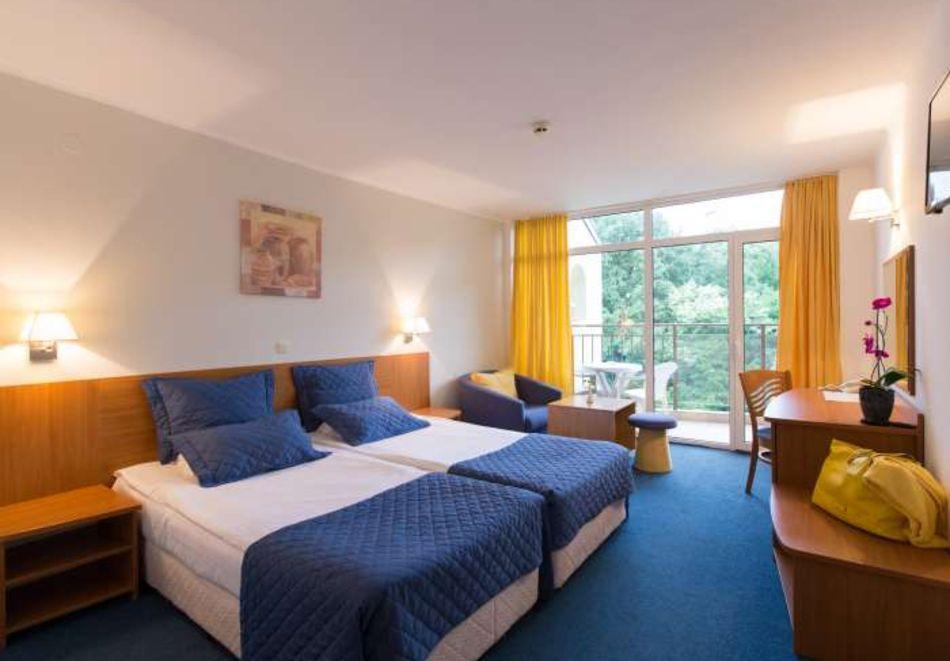 Нощувка на човек със закуска + басейн в хотел Мадара****, Златни пясъци . Дете до 12г. - безплатно, снимка 9