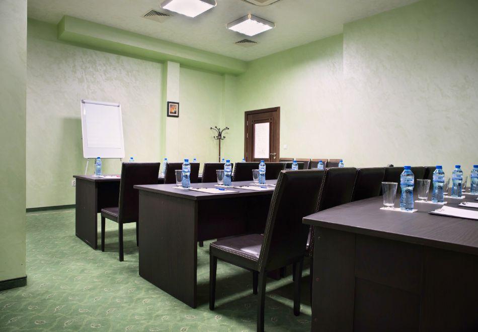 Нощувка на човек със закуска, обяд и вечеря от хотел Чиирите, Пловдив, снимка 10
