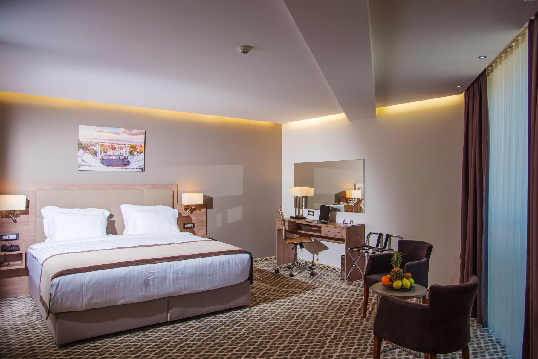 Нощувка със закуска за двама в хотел Бест Уестърн Премиер****, Пловдив, снимка 13