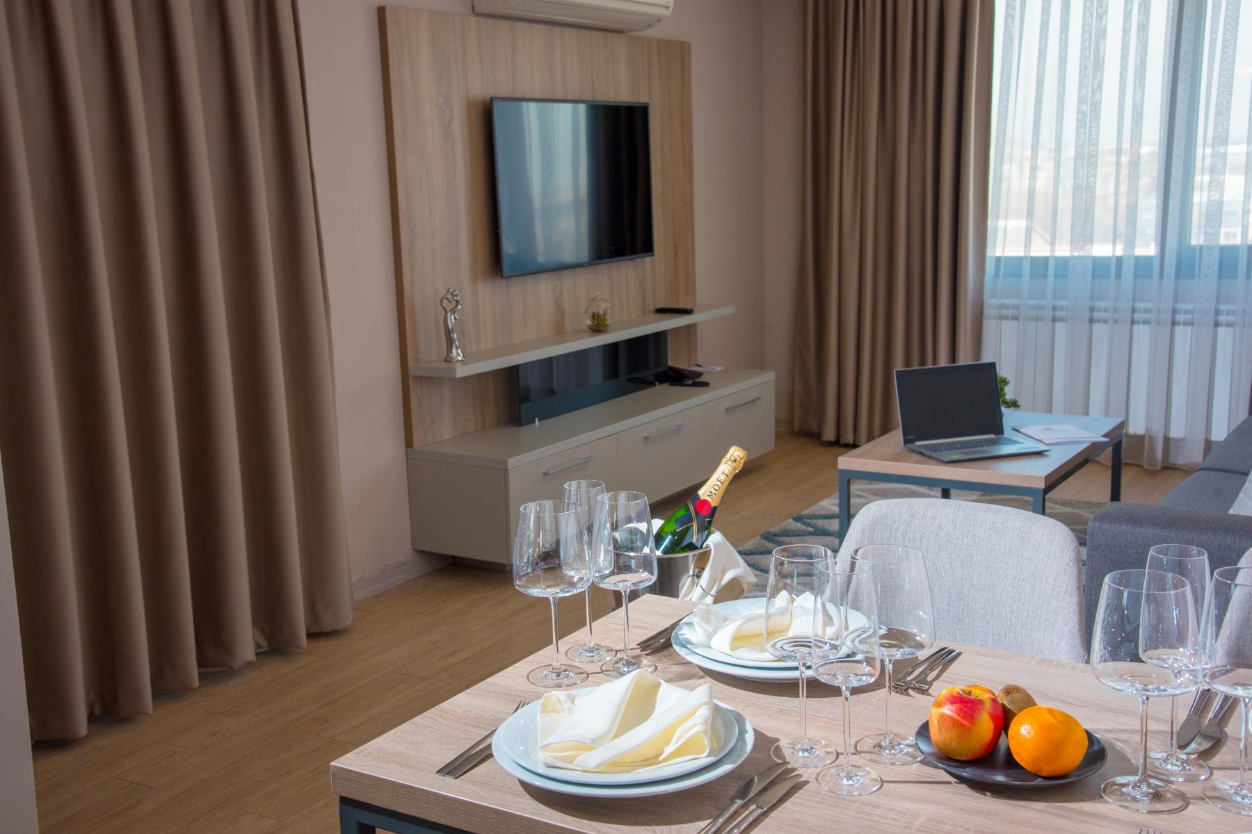 Нощувка със закуска за двама в хотел Бест Уестърн Премиер****, Пловдив, снимка 8