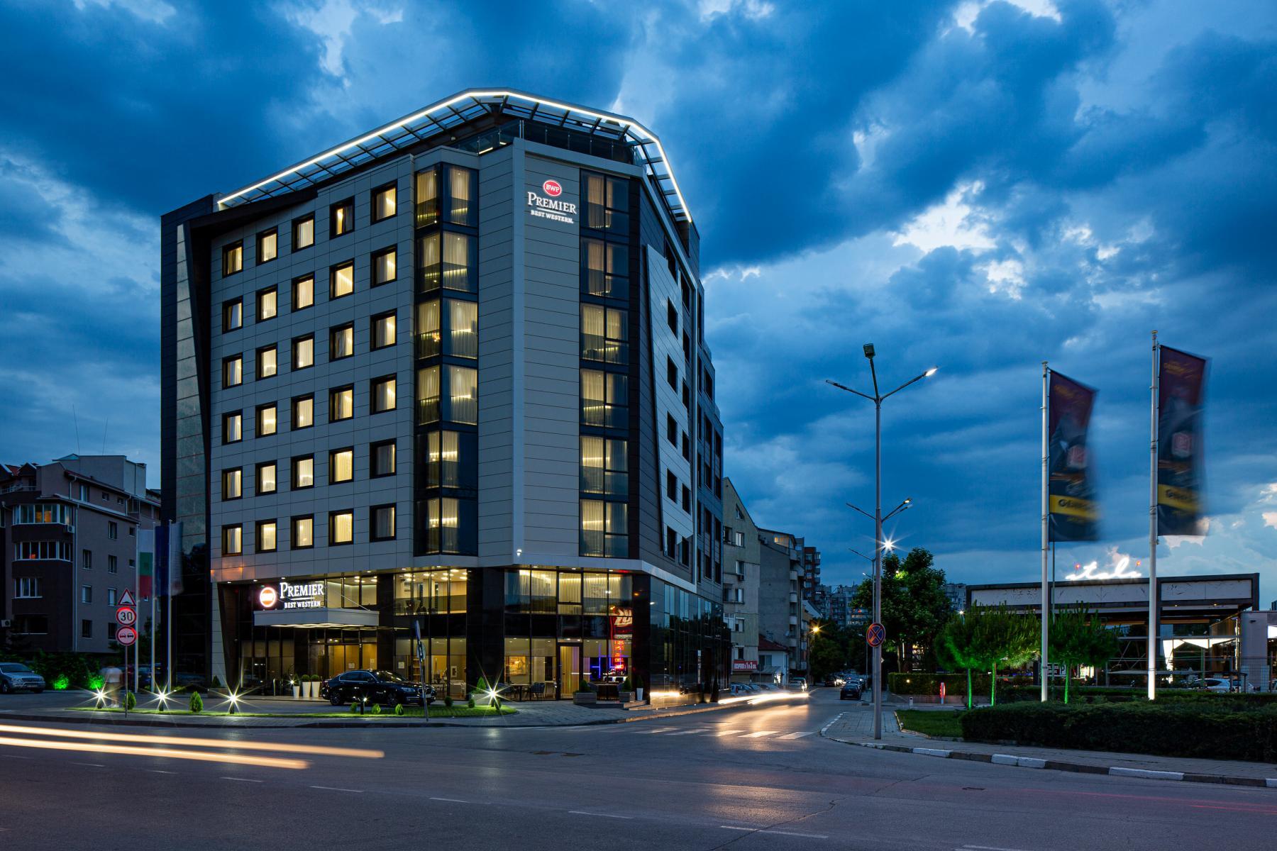 Нощувка със закуска за двама в хотел Бест Уестърн Премиер****, Пловдив, снимка 2
