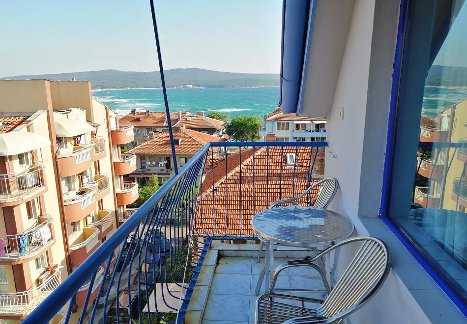 Лято 2020 на 50 м. от северния плаж в Приморско! Нощувка или нощувка със закуска на цени от 14.90 в хотел Синя Лагуна, снимка 7