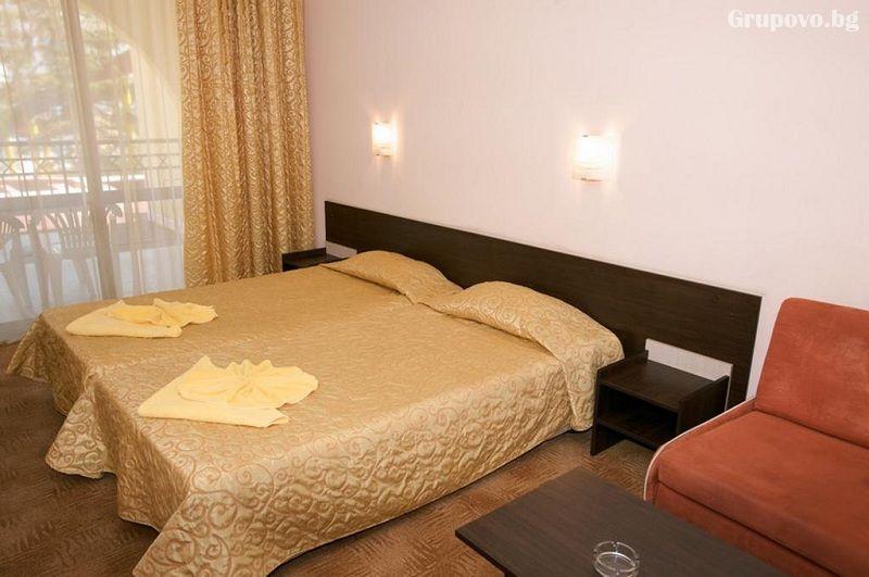Нощувка на човек на база All Inclusive + басейн в хотел Явор Палас****, Слънчев Бряг, снимка 6