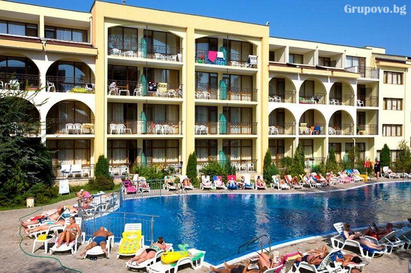 Нощувка на човек на база All Inclusive + басейн в хотел Явор Палас****, Слънчев Бряг, снимка 2