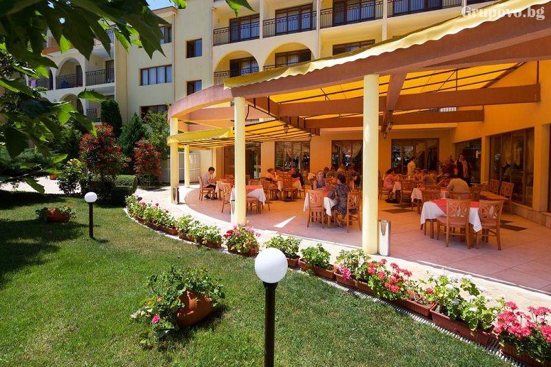 Нощувка на човек на база All Inclusive + басейн в хотел Явор Палас****, Слънчев Бряг, снимка 7