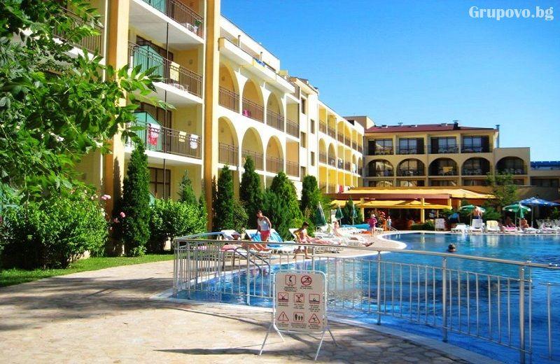 Нощувка на човек на база All Inclusive + басейн в хотел Явор Палас****, Слънчев Бряг, снимка 3