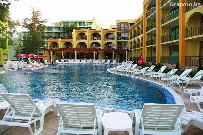 Нощувка на човек на база All Inclusive + басейн в хотел Явор Палас****, Слънчев Бряг, снимка 5