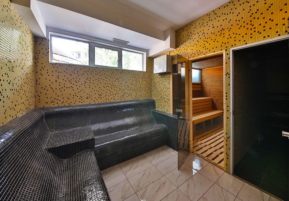 Нощувка на човек във фамилна делукс стая на база All Inclusive + 5 басейна и СПА в Престиж Делукс Хотел Аквапарк Клуб****, Златни пясъци, снимка 18