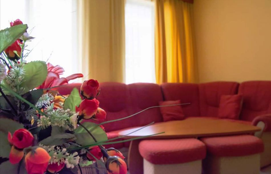 Нощувка на човек в хотел Ванини, Несебър, снимка 7