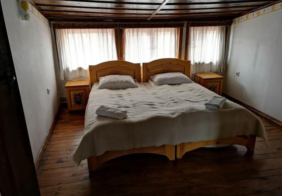 Наем на самостоятелна къща до 22- ма човека в Старата къща, Велинград, снимка 3